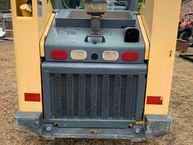Wheeled skid steer  - picture1' - Click to enlarge