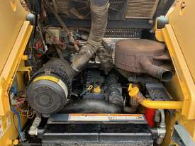 Wheeled skid steer  - picture2' - Click to enlarge