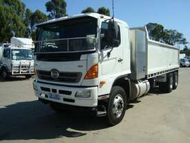 2009 HINO FM1J FM TIPPER - picture1' - Click to enlarge