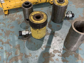 Enerpac Hydraulic Master Puller Set with Hand Pump, 36 Ton, BHP3751G - picture2' - Click to enlarge