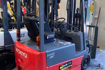 Electric battery forklifts for   container mast