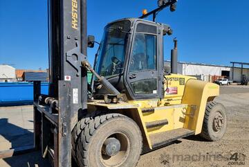 16t Hyster H16.00xm, low hours, great condition, available end of august.