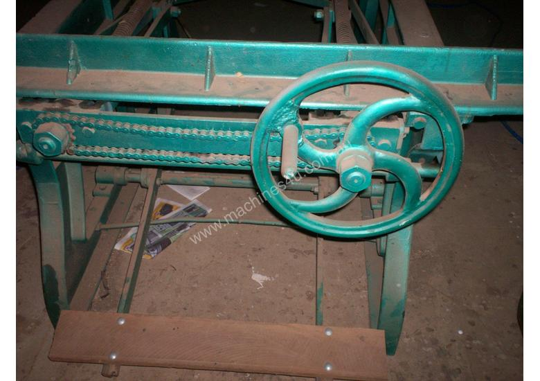 panel pess foot operated