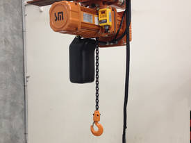 500Kg to 3000 Kg SAMSUNG Electric chain hoist.  - picture0' - Click to enlarge