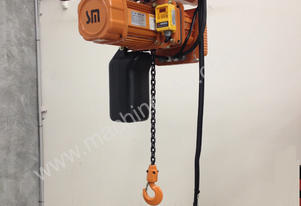 500Kg to 3000 Kg SAMSUNG Electric chain hoist.