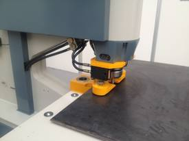 MULTI 125D + 2-AXIS CNC FULL AUTOMATIC CLAMPMASTER - picture9' - Click to enlarge