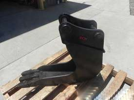 EOI  Bucket-GP Attachments - picture0' - Click to enlarge