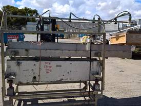Vibratory Feeder / Shaker Table - stainless
