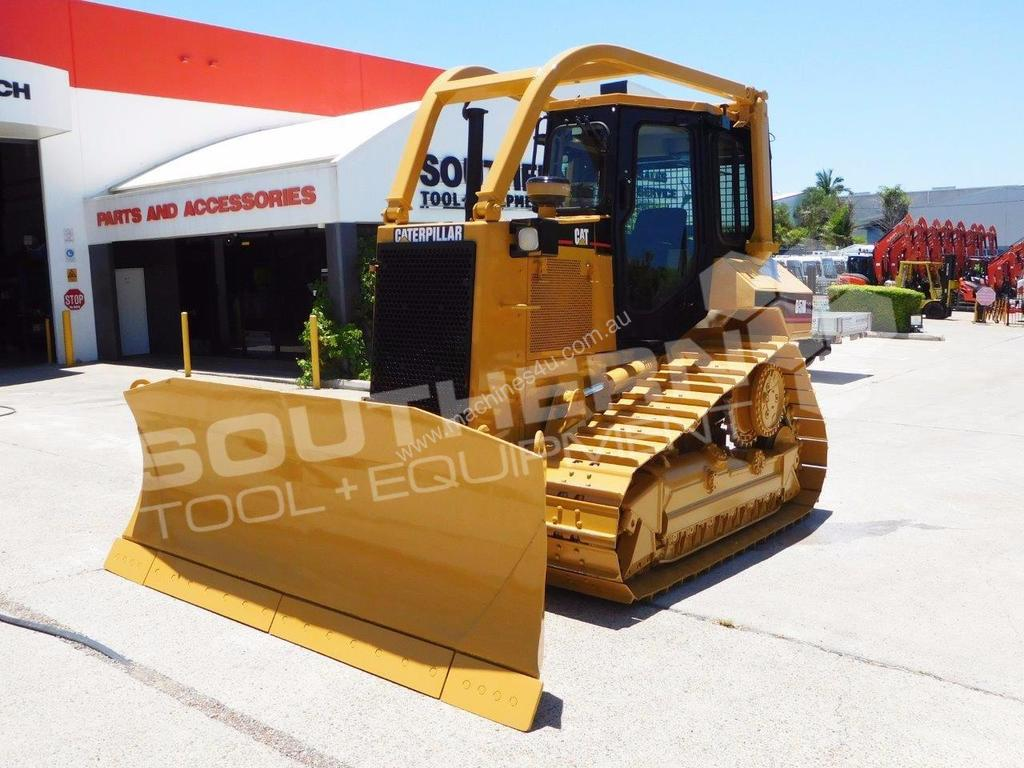 Used Caterpillar D5M XL Crawler Dozer in , - Listed on