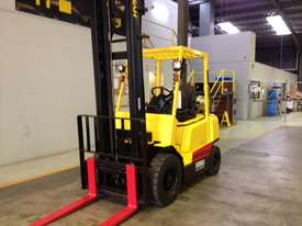 Used Hyster 2.5T Counterbalance Forklift - picture2' - Click to enlarge