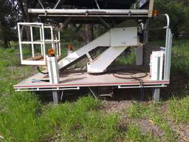 UTILITY MOUNTED CHERRY PICKER - picture0' - Click to enlarge