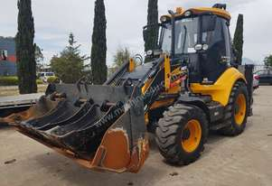 2015 MST6 BACKHOE WITH LOW 450 HOURS. FULLY OPTIONED