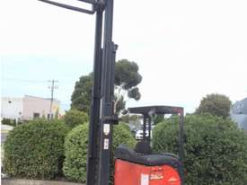 Linde Reach Truck - picture0' - Click to enlarge