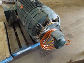 Pope 315KW Motor - picture3' - Click to enlarge