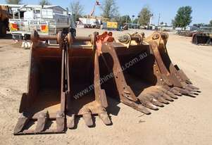 Caterpillar   Excavator Buckets