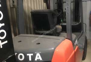 Toyota 62-8FD25 Forklift For Sale
