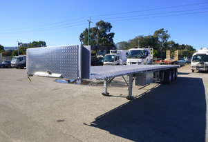 2002 Vawdrey VB S3 45ft Lightweight Triaxle Flat Bed Trailer - In Auction