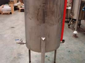 Stainless Steel Storage Tank (Vertical), Capacity: 270Lt - picture0' - Click to enlarge