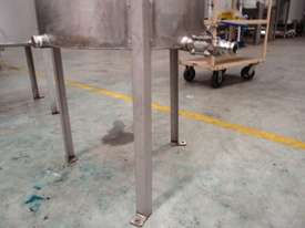 Stainless Steel Storage Tank (Vertical), Capacity: 270Lt - picture2' - Click to enlarge