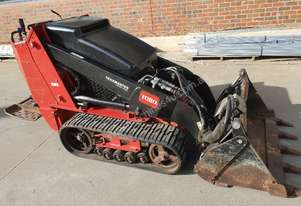 TORO TX525 WIDE RUBBER TRACKED MINI LOADER IN GREAT CONDITION WITH TRAILER AND ATTACHMENT PACKAGE