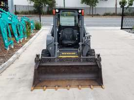 2012 New Holland L218 skidsteer - picture9' - Click to enlarge
