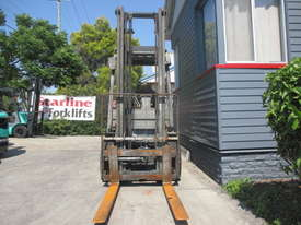 Toyota 2.5 ton LPG Used Forklift - picture2' - Click to enlarge