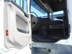 DAF XF 105 Series Primemover Truck - picture13' - Click to enlarge
