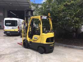 2.2 LPG Counterbalance Forklift - picture1' - Click to enlarge