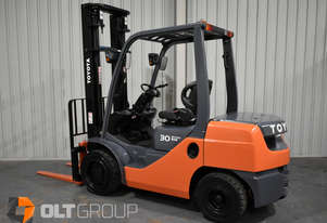 Toyota 3 Tonne Diesel Forklift 2 Stage 4000mm Lift Height Sideshift Low Hours