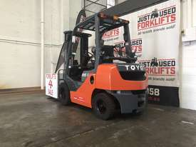 TOYOTA 8FG25 40282 2.5 TON 2500 KG CAPACITY LPG GAS FORKLIFT 4500 3 STAGE CONTAINER MAST. - picture3' - Click to enlarge