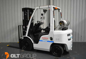 Used Nissan 2.5 Tonne Forklift Container Mast 4750mm Lift Height LPG 2015