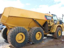 Caterpillar 740B Dump Truck - picture2' - Click to enlarge