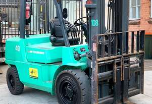 Mitsubishi 4T Diesel Forklift with Container Mast FOR SALE