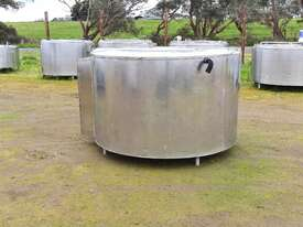 2,280lt STAINLESS STEEL TANK, MILK VAT - picture0' - Click to enlarge