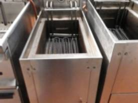 Waldorf SHC00405 Used Electric Fryer - picture0' - Click to enlarge