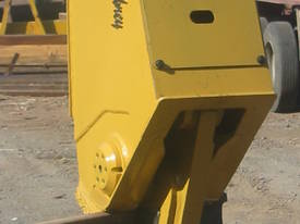 Hydraulic Railbreaker - picture5' - Click to enlarge