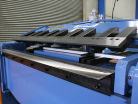 1300MM X 4MM PANBRAKE FOLDER HYDRAULIC  - picture2' - Click to enlarge