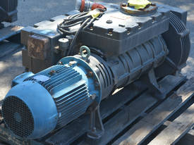 400B Vacuum Pump 403 m3/h 10mbar - picture1' - Click to enlarge