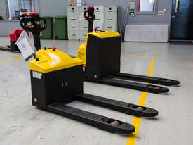 Liftstar WP17-15 Pallet Truck 1500kg - picture2' - Click to enlarge