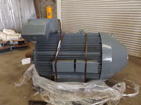 Pope 400KW Motor  - picture2' - Click to enlarge