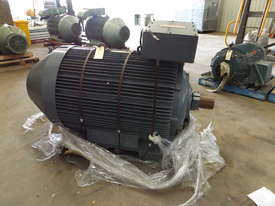 Pope 400KW Motor  - picture0' - Click to enlarge