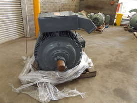 Pope 400KW Motor  - picture4' - Click to enlarge