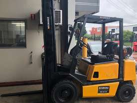2.5T USED YALE LPG FORKLIFT TRUCK - picture0' - Click to enlarge