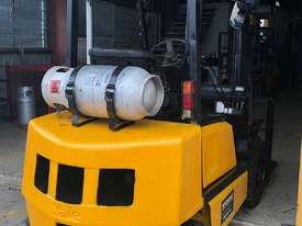2.5T USED YALE LPG FORKLIFT TRUCK - picture2' - Click to enlarge