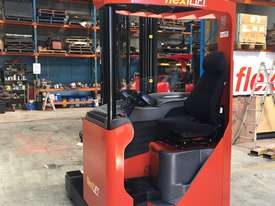 BT TOYOTA REACH TRUCK - picture2' - Click to enlarge