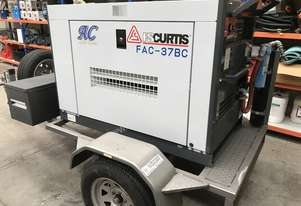 FS-Curtis Diesel Rotary Screw 130cfm Air Compressor Aircooler FAC-37BC on trailer