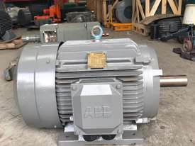 45 kw 60 hp 4 pole 415 volt AC Electric Motor - picture0' - Click to enlarge