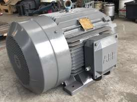 45 kw 60 hp 4 pole 415 volt AC Electric Motor - picture3' - Click to enlarge