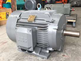 45 kw 60 hp 4 pole 415 volt AC Electric Motor - picture4' - Click to enlarge