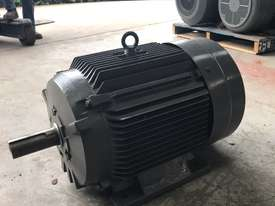 45 kw 60 hp 4 pole 415 volt AC Electric Motor - picture5' - Click to enlarge